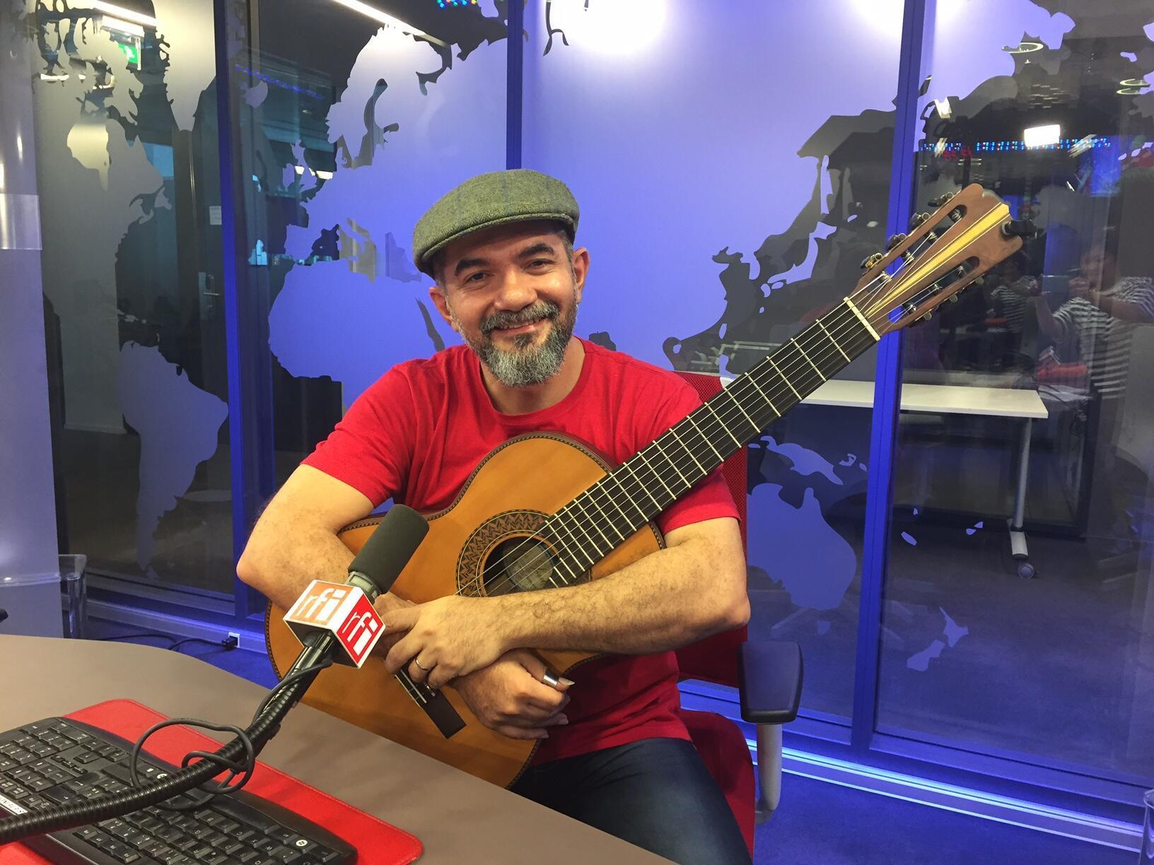 O músico amazonense Rosivaldo Cordeiro