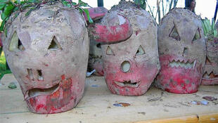 Rommelbootzen - кривляющиеся свеклы из Лотарингии, символ Хэллоуина по-французски