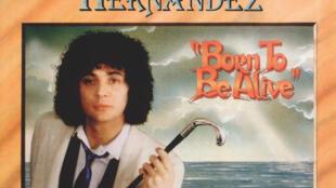 Capture d'écran de la pochette du tube  «Born to be alive» de Patrick Hernandez.