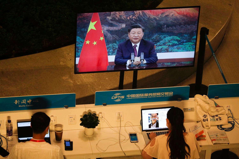 Ảnh minh họa : Nhà báo tác nghiệp tại Trung Quốc. Ảnh ngày 4/09/2020 tại Bắc Kinh.