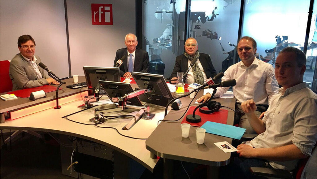De gauche à droite: Hans Stark, Jean-Dominique Giuliani, Daniel Desesquelle, Yves Bertocini, Correntin Pennarguear.
