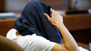 Le parquet a abandonné vendredi pendant l'audience les charges  pour «agression sexuelle» contre le suspect algérien.