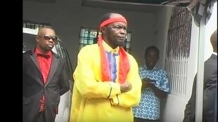 Muanda Nsemi lors de la célébration d'une messe (BDMCANADA, juillet 2016)