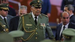 O general Ahmed Gaïd Salah na cerimónia de tomada de posso do novo presidente da Argélia. 19 de Dezembro de 2019.
