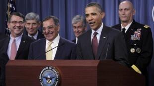O presidente americano Barack Obama apresenta a nova doutrina militar dos Estados Unidos no Pentágono, ao lado dos principais responsáveis da Defesa do país.