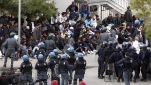 Le centre de rétention de Lampedusa.