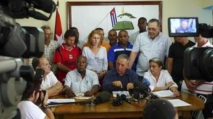 Các nhà ly khai Cuba tại cuộc họp báo ngày 8/4/10.