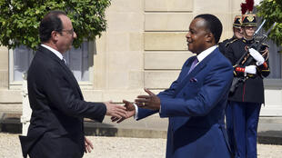 Le président français, François Hollande, reçoit son homologue congolais, Denis Sassou-Nguesso à Paris, France, le 7 juillet 2015.