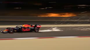 El holandés Max Verstappen, durante la segunda sesión de prácticas para el Gran Premio de F1 de Baréin en la ciudad de Sakhir el 26 de marzo de 2021