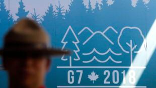 U membro da Real Polícia Montada do Canadá, em Charlevoix, onde decorre hoje e amanhã, a Cimeira do G7