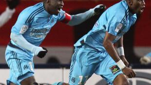 Le Sénégalais Mamadou Niang et le Camerounais Stéphane Mbia, en février 2010 sous les couleurs de l'OM.