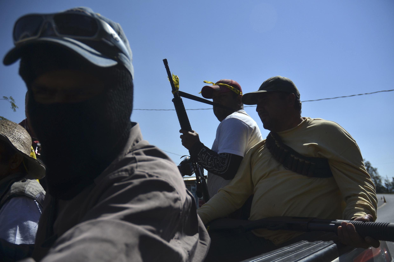 Grupo de autodefensa patrullando en el estado de Michoacán.