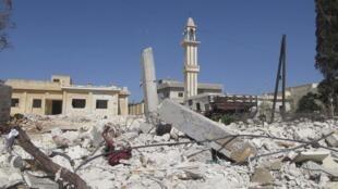 Sur le territoire syrien, les combats se sont poursuivis sans trêve ce jeudi 4 octobre 2012, comme ici près d'Alep, bombardée par l'aviation gouvernementale selon l'opposition.
