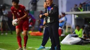 Huấn luyện viên Park Hang seo chỉ đạo trận tứ kết Việt Nam gặp Nhật Bản ở Cúp Châu Á AFC, Dubai ngày 24/01/2019.