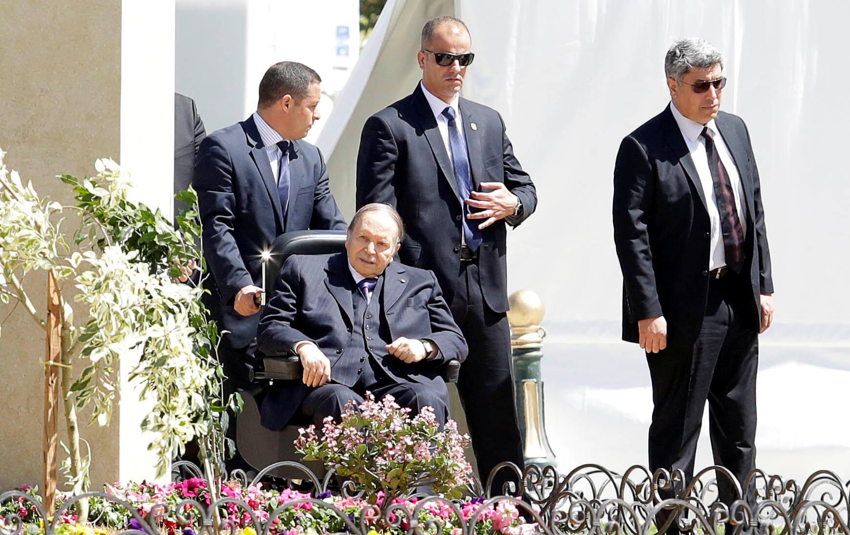 Presdiente Abdelaziz Bouteflika na inauguração em Argel da mesquita Ketchaoua, um dos seus últimos actos públicos a 9 de Abril de 2018.