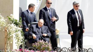 Le président Abdelaziz Bouteflika a inauguré, à Alger, la mosquée Ketchaoua, lors d'une de ses rares apparitions publiques, ce lundi 9 avril 2018.
