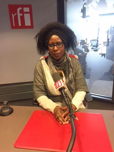 Scholastique Mukasonga en studio à RFI (avril 2018).