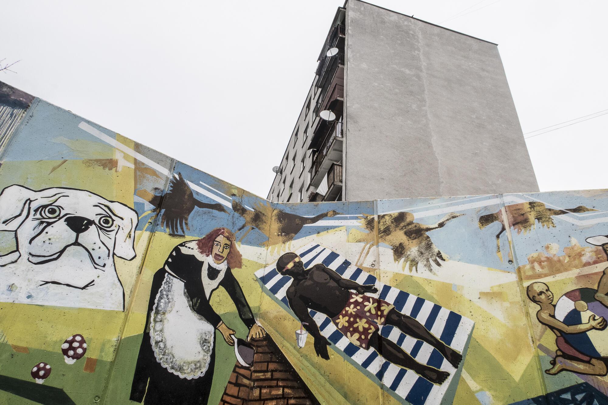 A Michalovce, des murs ont été érigés pour empêcher les Roms du ghetto voisin de passer dans ce quartier résidentiel et scolaire.