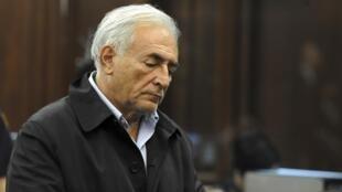 លោកDominique Strauss-Kahn ជាប់ឃុំនៅក្នុងពន្ធនាគារនៅទីក្រុងញូវយ៉ក ថ្ងៃទី១៦ឧសភាឆ្នាំ២០១១.