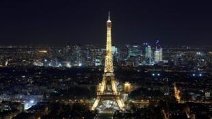 Parisieses se preparam para a festa da virada, mas hotéis e restaurantes já esperam uma queda nas reservas para o Réveillon (imagem de ilustração)