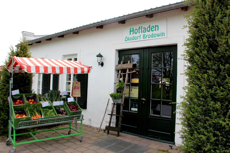 Au total, 90% de la production du «village écologique» de Brodowin part en direction de Berlin et sa région. Ici, l'entrée du magasin à la ferme.