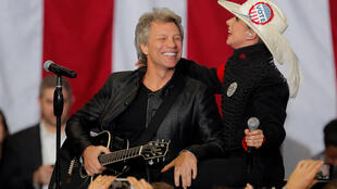 Джон Бон Джови и Леди Гага выступили в поддержку Хиллари Клинтон, 8 ноября 2016.