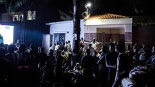 Les partisans de l'UDPS de Félix Tshisekedi, suivent en direct l'annonce des résultats par le Céni, le 10 janvier 2019.