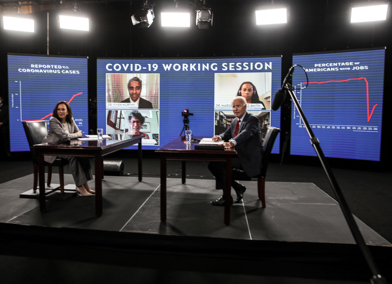 Ứng viên tổng thống Mỹ của đảng Dân Chủ Joe Biden và liên danh phó tổng thống Kamala Harris, trong một buổi họp về tình hình dịch Covid-19 tại Delaware, Hoa Kỳ, ngày 13/08/2020.