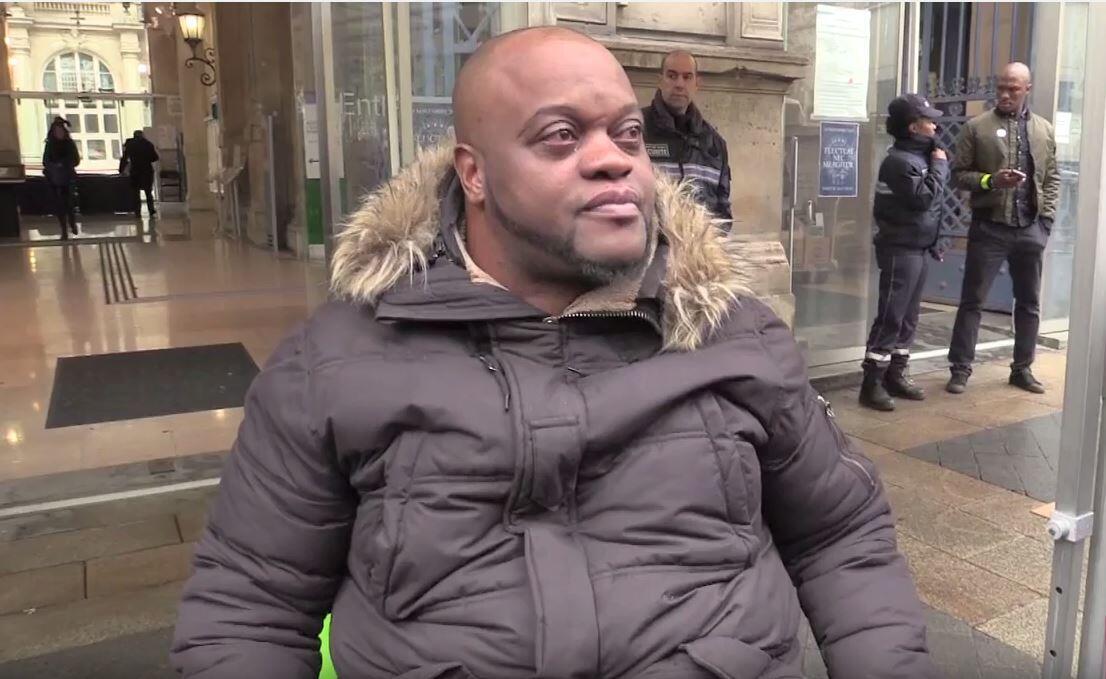 Биляль Моконо, выживший в теракте у Стад-де-Франс