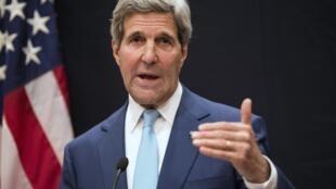 John Kerry công du Irak để thuyết phục Thủ tướng Al Maliki sớm thành lập một chính phủ đoàn kết dân tộc - REUTERS /B. Smialowski