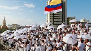 Colombianos asisten a la firma de la paz en Cartagena de Indias, este 26 de septiembre de 2016.