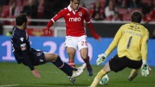Melgarejo, no centro, apontou o terceiro golo do Benfica frente ao Gil Vicente