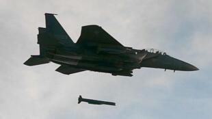 Chiến đấu cơ F -15 của Quân Đội Hàn Quốc tấn công bằng tên lửa dẫn đường SLAM-ER, ngày 04/09/2017.