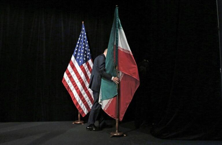 پرچمهای ایران و آمریکا در حاشیه مذاکرات برجام