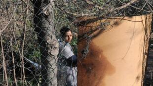 Une jeune femme dans un camp de Roms, près de Rome, le 7 février 2011.