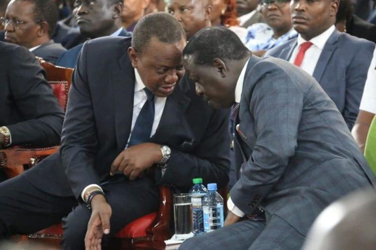 Rais wa Kenya Uhuru Kenyatta,kushoto na kinara wa upinzani Raila Odinga