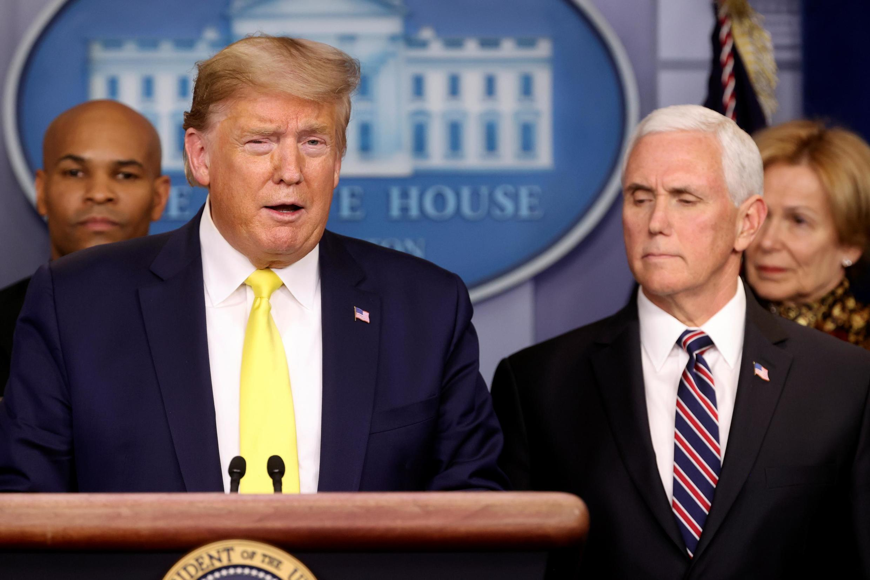 Tổng thống Mỹ Donald Trump trả lời về dịch coronavirus trong cuộc họp báo thường nhật tại Nhà Trắng. Ảnh ngày 09/03/2020.