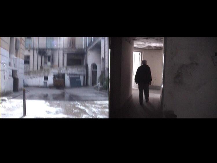 Julieta Hanono: Padre Querido  2008-2013  Videos digitales « Traversées » y « Padre », color, sonido, 1'12'' et 1'20'' en bucle.