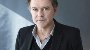Portrait de l'écrivain Yannick Haenel.