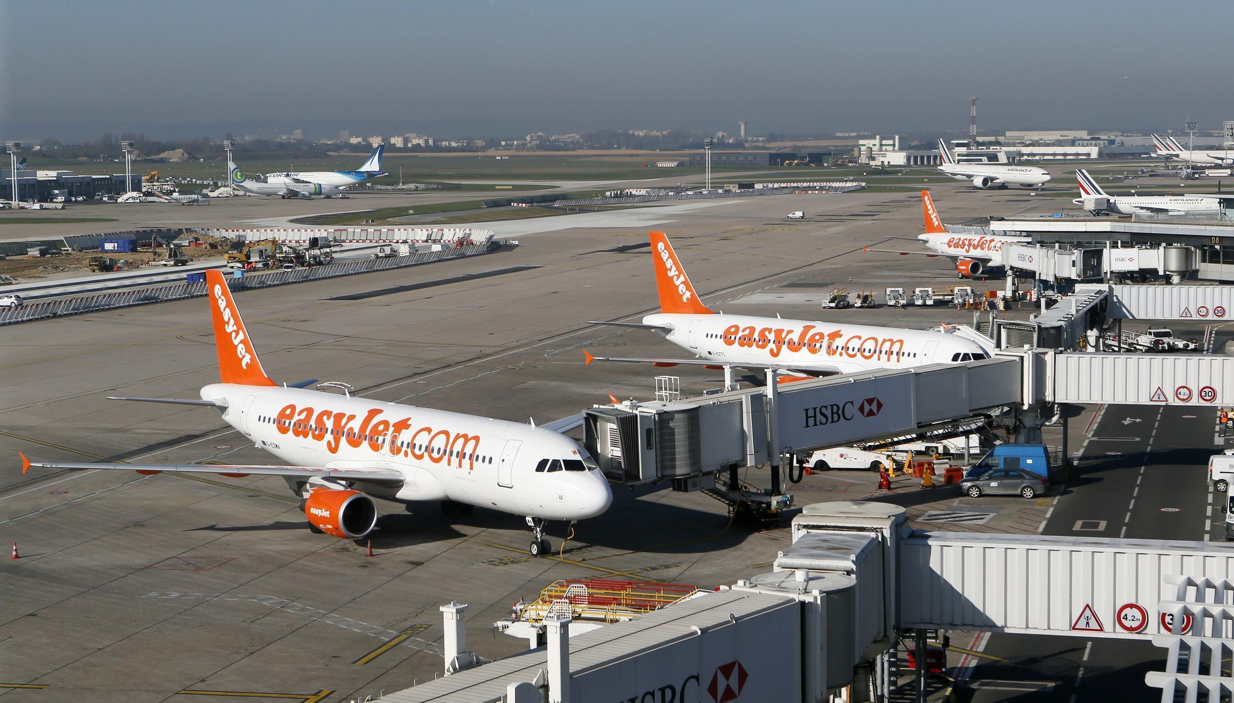 EasyJet aircrafts sitting on the tarmac during an air traffic controller's strike at Orly airport, near Paris, 9 April 2015.