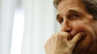 O secretário de Estado John Kerry deve participar da reunião a 4 ( USA, França, Grã-Bretanha e Alemanha) sobre a Ucrânia, prevista para quinta-feira (17) em Genebra.