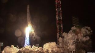 Запуск ракеты-носителя «Зенит-2SБ» на космодроме Байконур