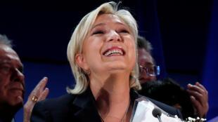 Marine Le Pen au soir du premier tour de la présidentielle, à Hénin-Beaumont, près de Rouvroy, Nord de la France, le 23 avril 2017.