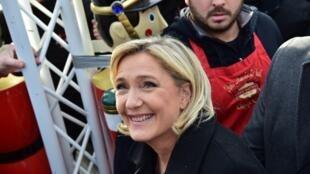 Marine Le Pen visits a Christmas market in Paris on Thursday
