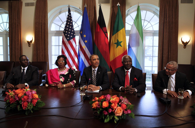 Macky Sall, Joyce Banda, Barack Obama, Ernest Koroma and Jose Maria Pereira Neves (L to R) at the White House