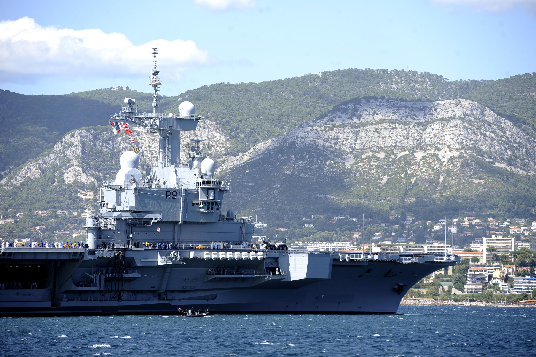 Le porte-avions Charles-de-Gaulle, à bord duquel le président Hollande a prononcé son discours.