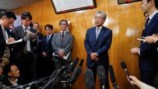 Ce 19 mars 2019, Tsunekazu Takeda, annonce sa décision de quitter en juin la présidence du Comité olympique japonais, à la suite de sa mise en examen par la justice française.