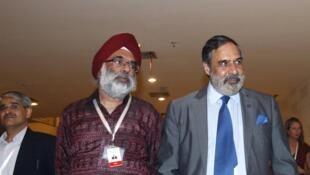 Bộ trưởng Thương mại Ấn Độ  Anand Sharma (phải) nhân kỳ Thượng đỉnh Bali - REUTERS /Edgar Su