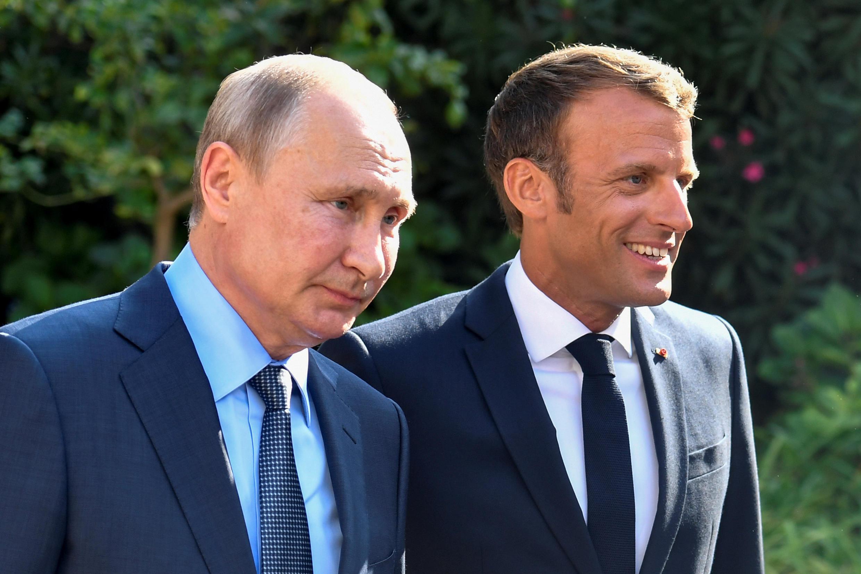 Shugaba Emmanuel Macron na Faransa da takwaransa na Rasha Vladimir Putin.