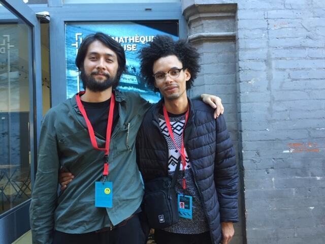 """Em Toulouse, os diretores Pedro Nishi, à esquerda, e Vinicius Silva, apresentam o curta """"Liberdade""""."""